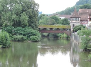 Holzbrücke, roter Steg, Schwäbisch Hall, zum-hirsch-hotel.de, Hotel und Gasthaus Zum Hirsch